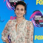 Teen Choice Awards 2017: Пэрис Джексон, Рита Ора, Ванесса Хадженс, Каспер Смарт и другие звезды на красной дорожке